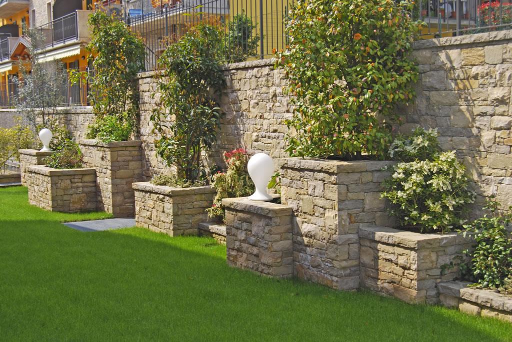 Decorazione giardino olgiate comasco e gallarate tagoo for Decorazioni giardino aiuole
